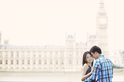 Couple in front of Big Ben & Westminster