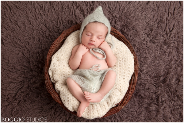 Newborn shoot using beautiful props and outfits